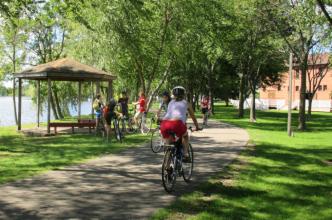 bikes on pfiffner path